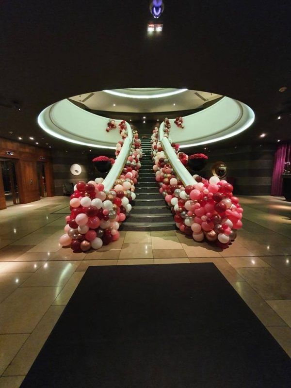 Aviator Valentines Weekend Organic Balloon Staircase By Airmagination Balloon Company