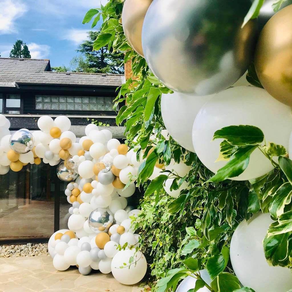 Prom party pool and garden balloon installation Airmagination Surrey 5
